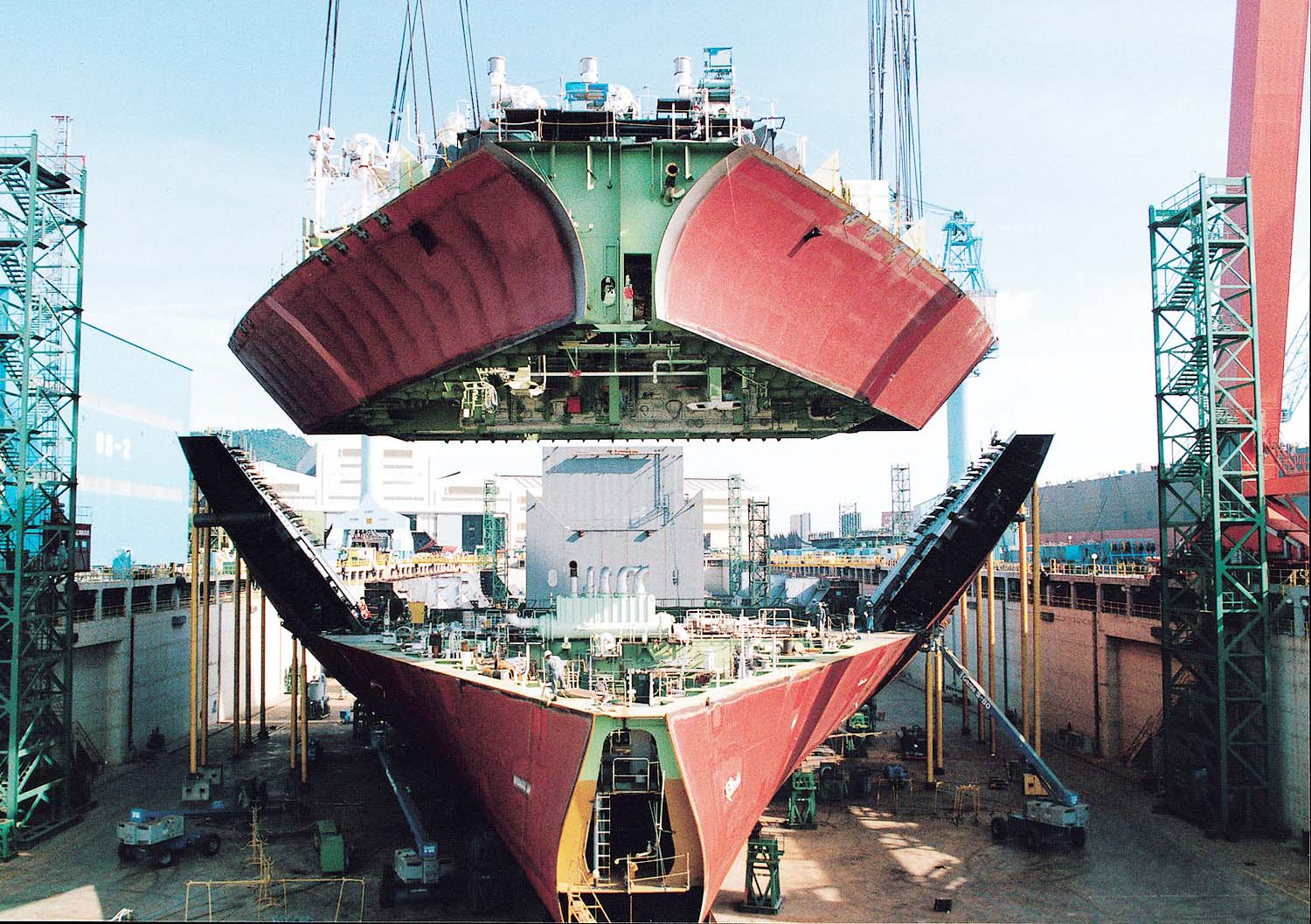 Hyundai the biggest shipbuilding company in the world for Motor cargo freight company