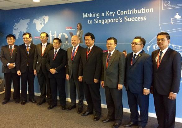 Faa Administrator Michael Heurta Visits Singapore